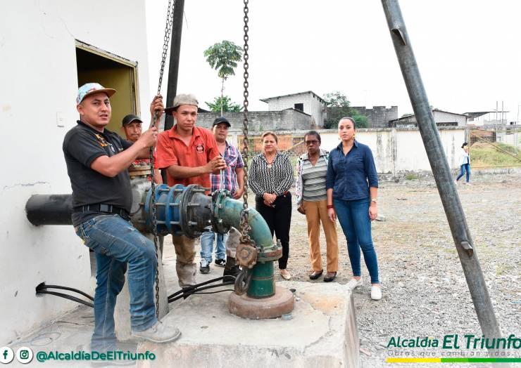 Instalación De Una Bomba De Motor De Agua Para Las Ciudadelas Del Sur